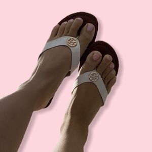 🆕 TORY BURCH white leather thong sandals